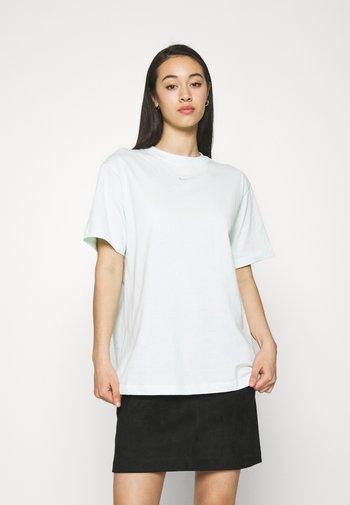 Basic T-shirt - barely green/white