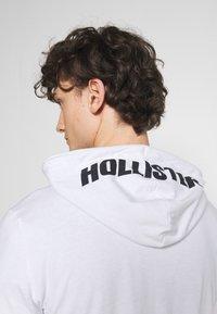 Hollister Co. - HOOD - Long sleeved top - white - 6