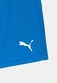 Puma - TEAMGOAL UNISEX - Sports shorts - electric blue lemonade - 2