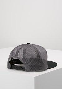 Nixon - TEAM TRUCKER HAT - Kšiltovka - black/charcoal - 2