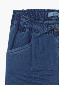 Name it - NMFBIBI DNMATORAS - Relaxed fit jeans - medium blue denim - 2
