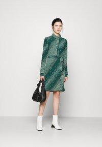 Vero Moda - VMBIBI DRESS  - Shirt dress - ponderosa pine - 1