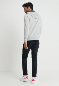 Tommy Jeans - ORIGINAL ZIPTHRU - Zip-up hoodie - mottled grey - 2
