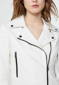 IKKS - Leather jacket - blanc cassé - 3