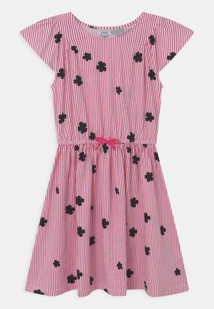 STRIPES - Robe en jersey - fandango pink