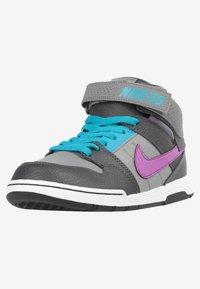 Nike SB - Trainers - grey - 6