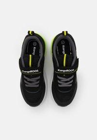 KangaROOS - KD-GYM  - Tenisky - jet black/neon yellow - 3