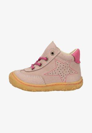 Baby shoes - viola