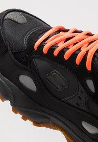 Skechers Sport - STAMINA CONTIC - Sneaker low - black - 6