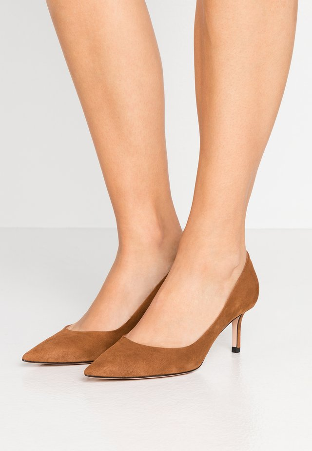 INES - Pumps - cognac