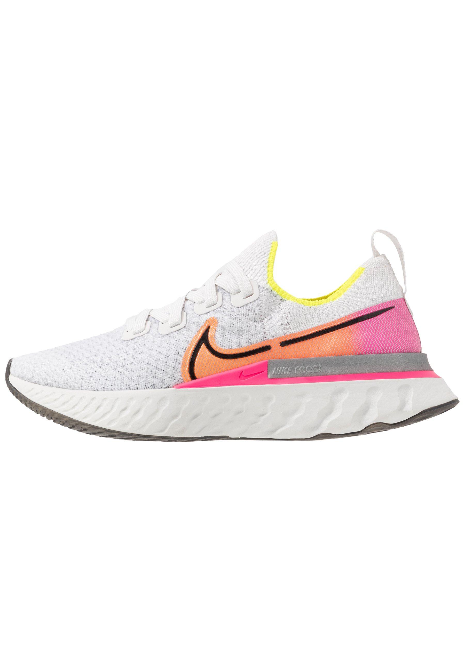 EPIC PRO REACT FLYKNIT - Chaussures de running neutres - platinum  tint/black/pink blast/total orange/lemon