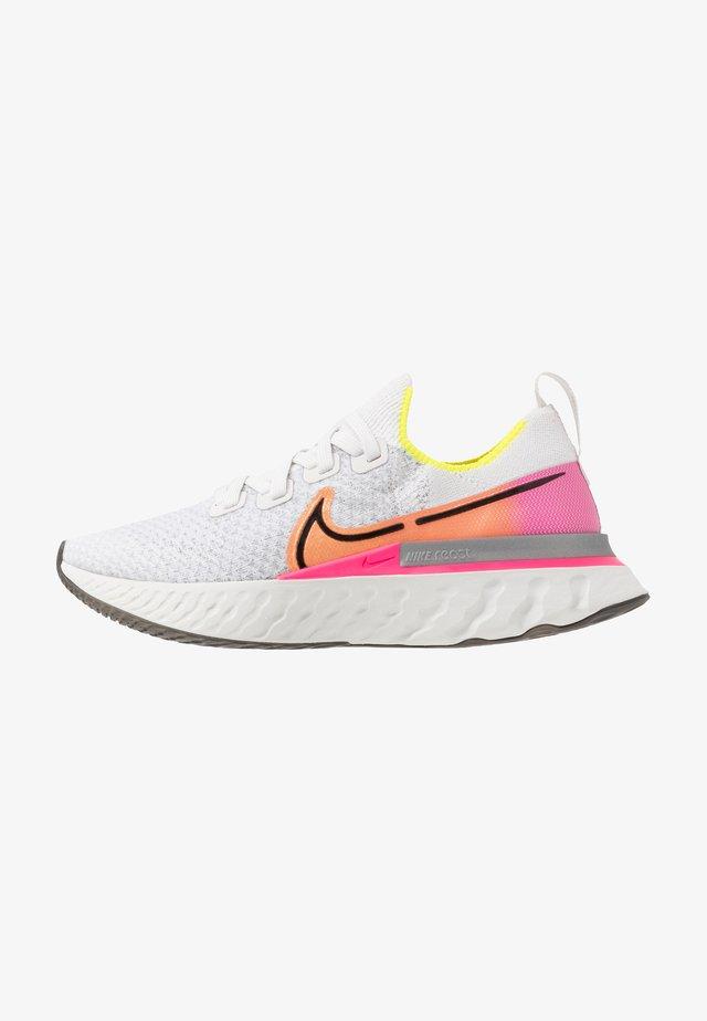 EPIC PRO REACT FLYKNIT - Neutral running shoes - platinum tint/black/pink blast/total orange/lemon