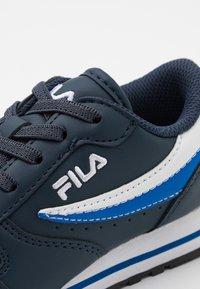 Fila - ORBIT KIDS - Zapatillas - dress blue/dazzling blue - 5