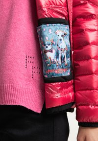 Frieda & Freddies - DAUNENJACKE NELLY II MIT ABNEHMBARER KAPUZE - Down jacket - cherry red - 4