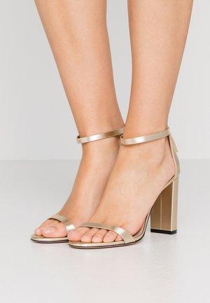 EXCLUSIVE APRIL EFFECT - Sandály na vysokém podpatku - champagne