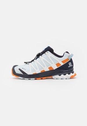 XA PRO 3D V8 GTX - Zapatillas de trail running - plein air/marmalade/night sky