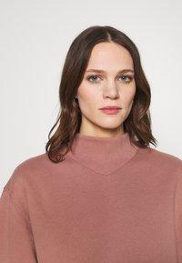 Abercrombie & Fitch - MOCK CREW - Sweatshirt - pink - 3