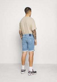 Only & Sons - ONSPLY LIFE - Denim shorts - blue denim - 2