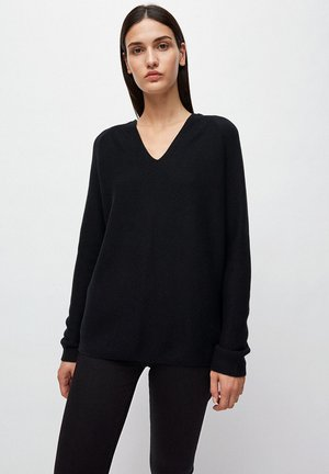 FAARINA - Jumper - black