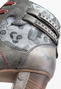 Mustang - Ankle boots - grau - 2