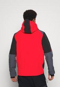 Superdry - CLEAN PRO SHELL JACKET - Lyžařská bunda - apple red - 2