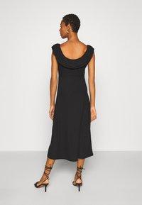 ONLY Tall - ONLFIESTA DRESS - Žerzejové šaty - black - 2