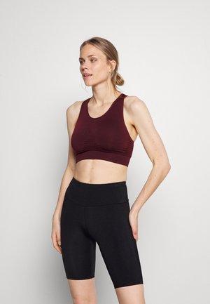 STAMINA WORKOUT BRA - Light support sports bra - black cherry purple