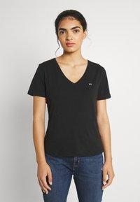 Tommy Jeans - SLIM SOFT V NECK TEE 2 PACK - Basic T-shirt - black/white - 3