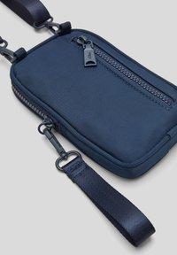 s.Oliver - Across body bag - dark blue - 6