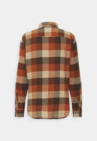Quiksilver - MOTHERFLY - Shirt - cinnamon - 1