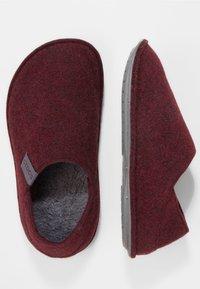 Crocs - Slippers - burgundy/charcoal - 1