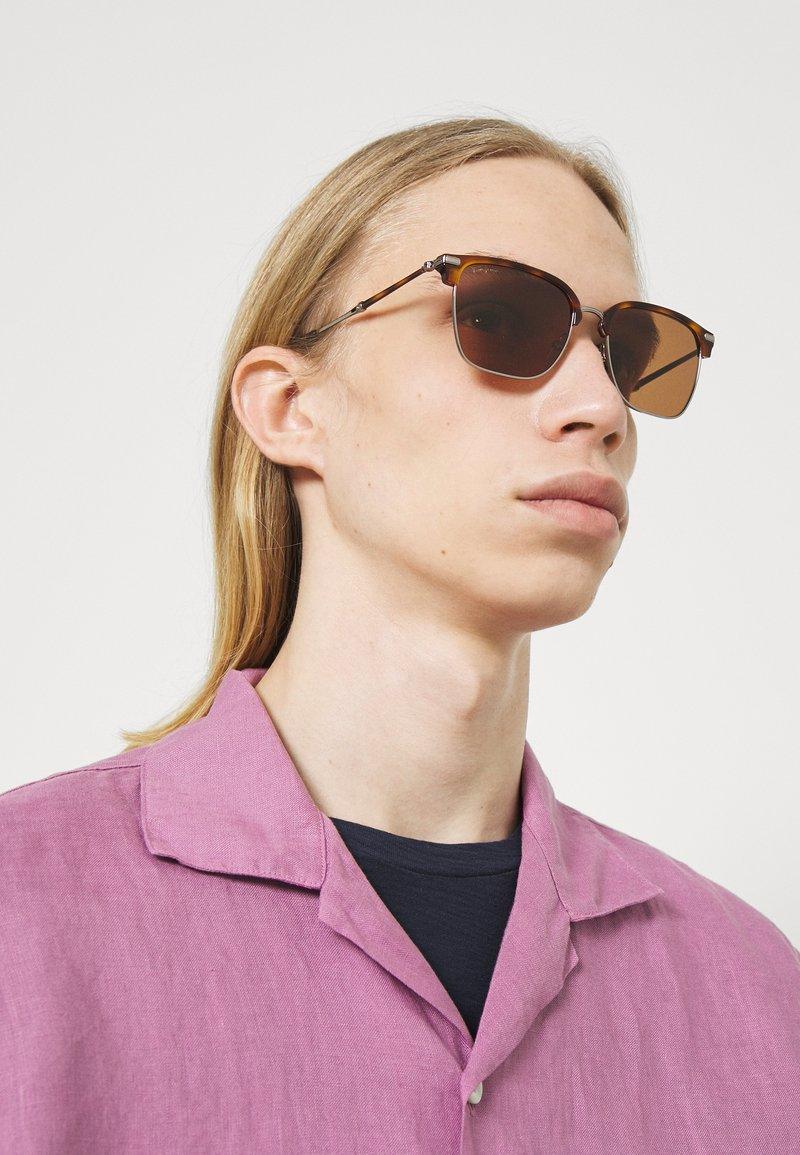 Salvatore Ferragamo - UNISEX - Sluneční brýle - light ruthenium/tortoise