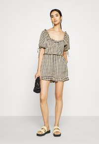 Missguided - GINGHAM PLAYSUIT - Overal - yellow - 1