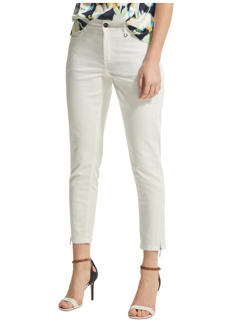 comma - Trousers - white