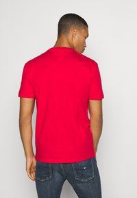 Tommy Jeans - PIECED BAND LOGO TEE - T-shirt z nadrukiem - deep crimson - 2
