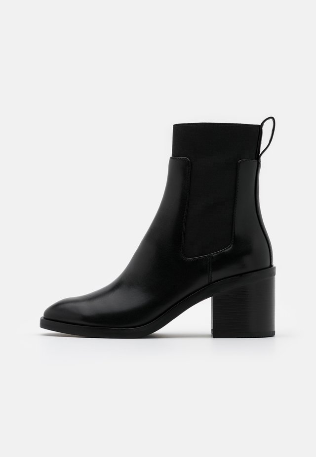 ALEXA CHELSEA BOOT - Bottines - black