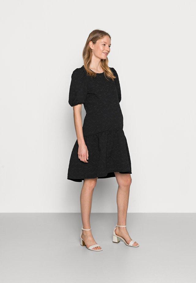 PCMILLU DRESS - Sukienka letnia - black