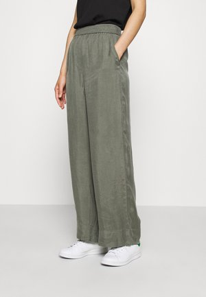 WIDE LEGGED TROUSER - Bukse - khaki green/dusty light