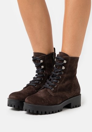 SHADOW - Kotníkové boty na platformě - brown