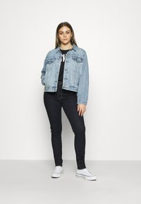Levi's® - 721™ HIGH RISE SKINNY - Jeansy Skinny Fit - rinsed denim - 1