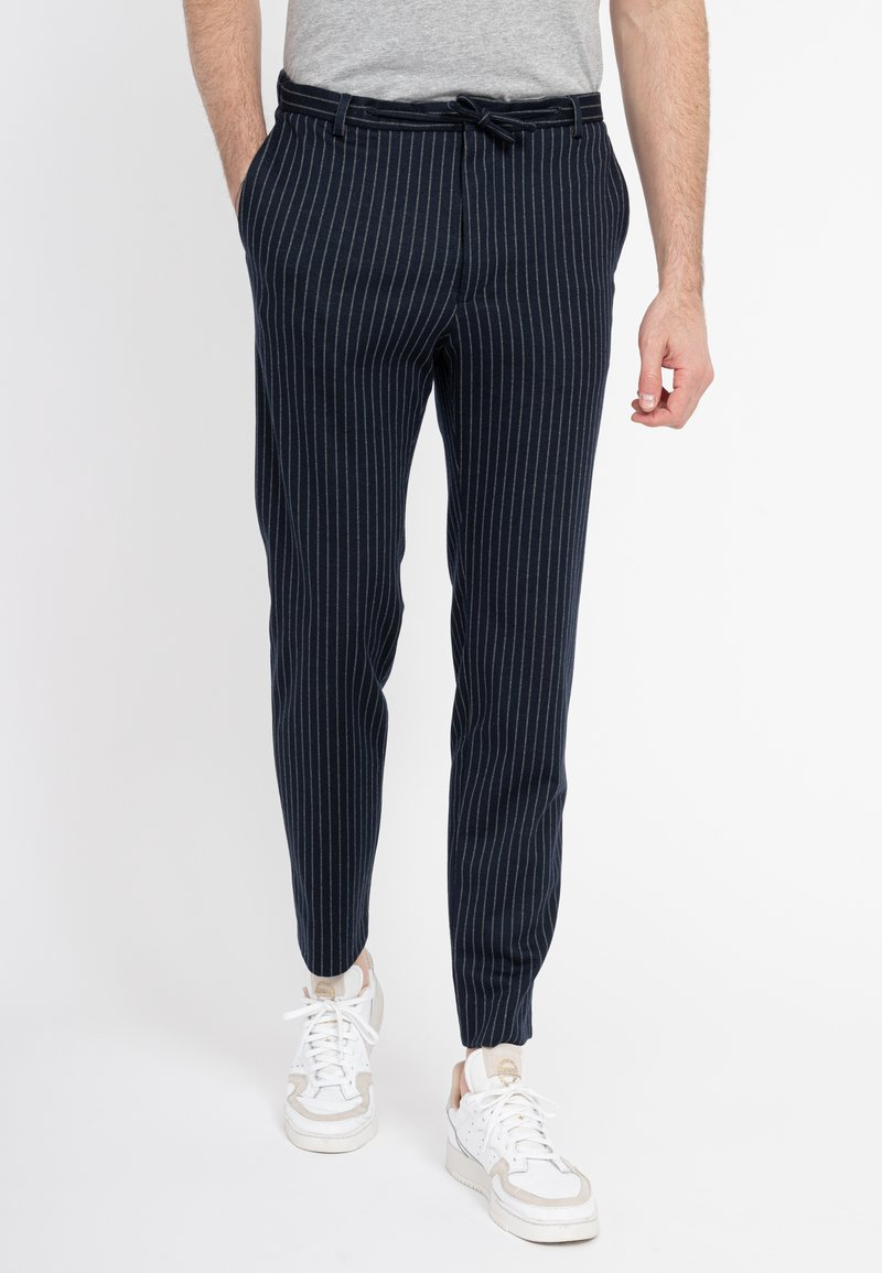 Zuitable - Trousers - blau