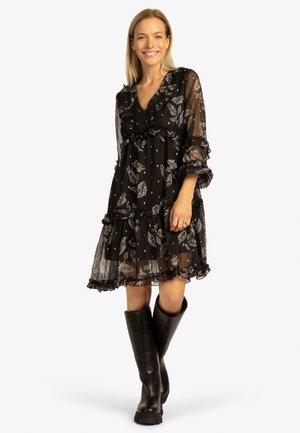 Jersey dress - schwarz-weiß