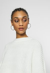 Even&Odd - OVERSIZED JUMPER - Stickad tröja - white