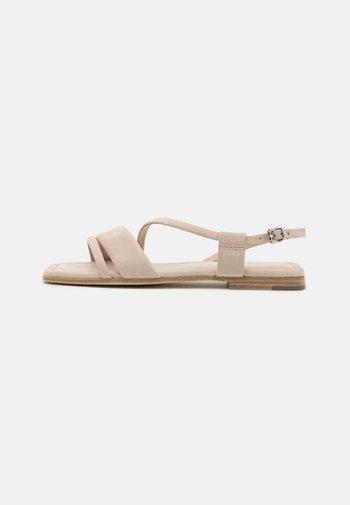 RIO - Sandals - desert