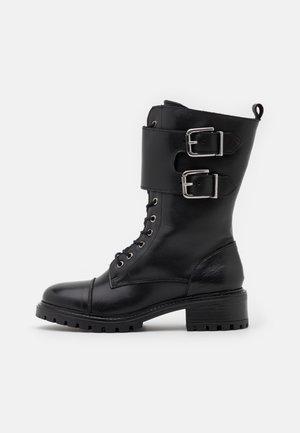 YASMILIA HIGH BOOTS - Nauhalliset saappaat - black