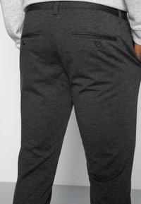 Only & Sons - ONSMARK PANT - Trousers - dark grey melange - 4