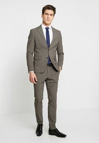 Lindbergh - PLAIN SUIT  - Puku - light brown - 2