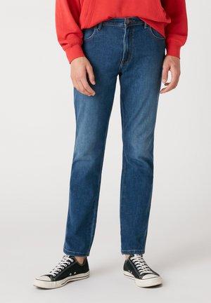 TEXAS - Straight leg jeans - star struck