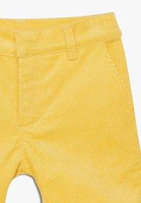The New - ORDUROY - Shorts - sulphur - 2