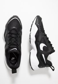 Nike Sportswear - AIR HEIGHTS - Sneakers - black/white - 1